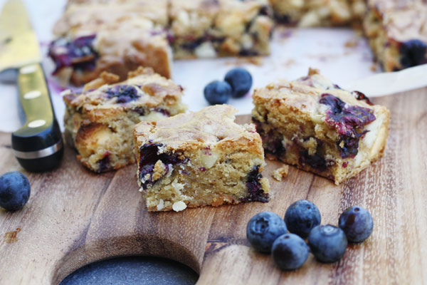 Blueberry, white chocolate & macadamia blondies - Scrummy Lane