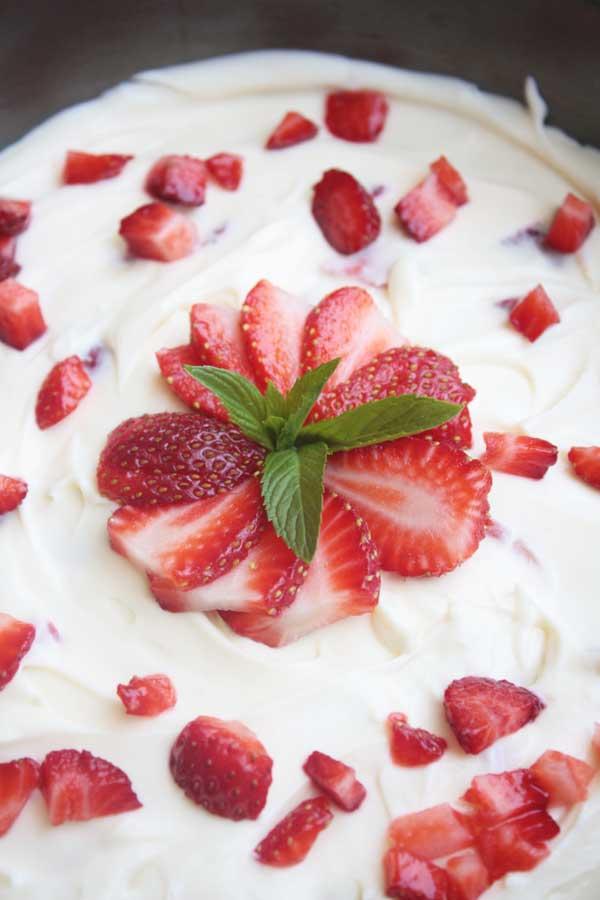 Roasted strawberry & white chocolate Valentine's cheesecake