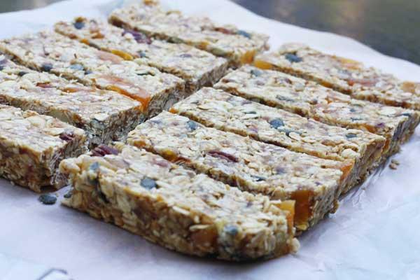 Pecan, white chocolate & maple no-bake granola bars