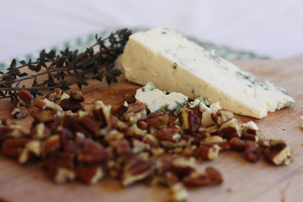 pecan nuts & blue cheese