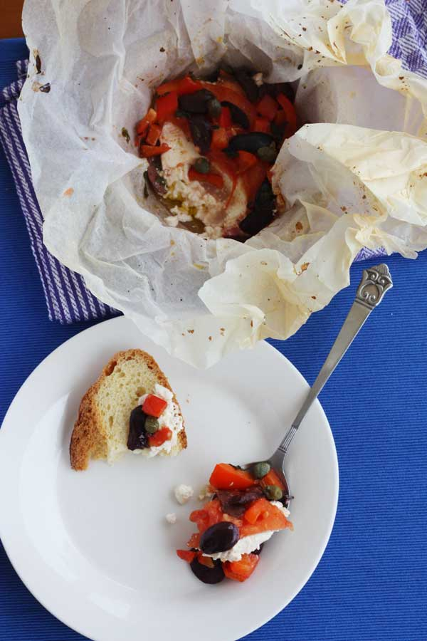 Baked feta with tomato, pepper & olives
