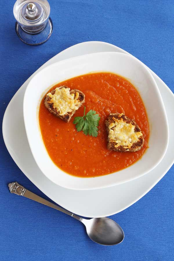 Roasted butternut squash & tomato soup