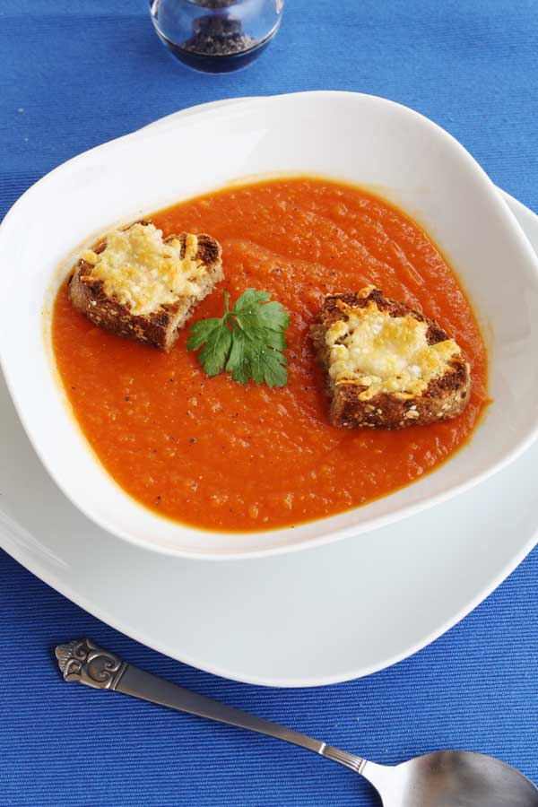 Roasted butternut squash & tomato soup