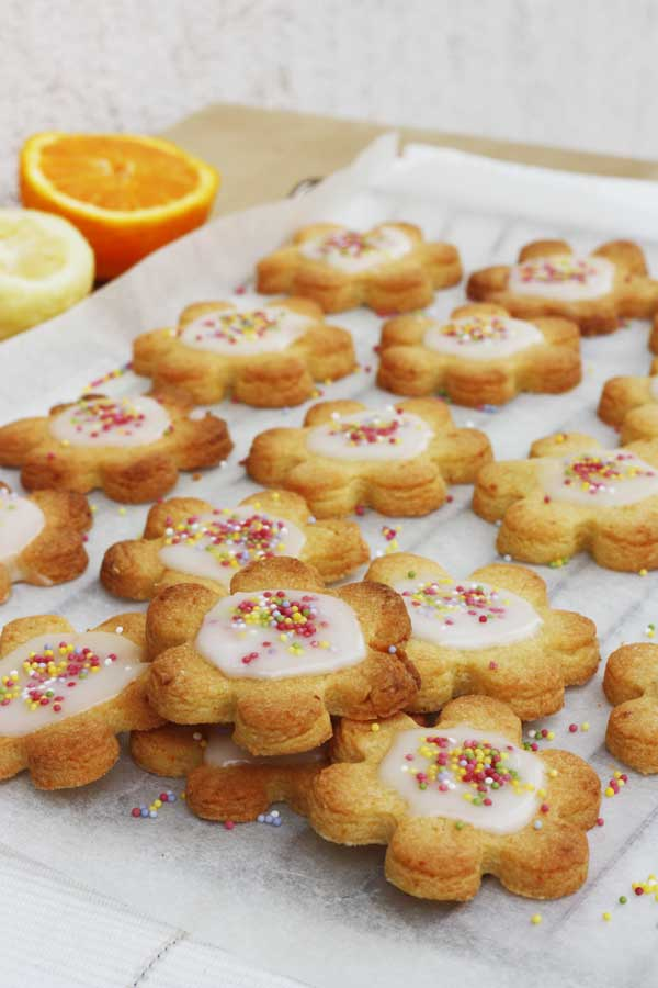 Iced citrus Shrewsbury biscuits from scrummylane.com