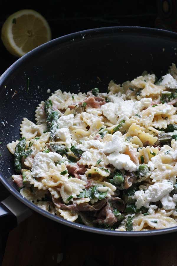 Lemony asparagus & prosciutto ricotta pasta by Scrummy Lane