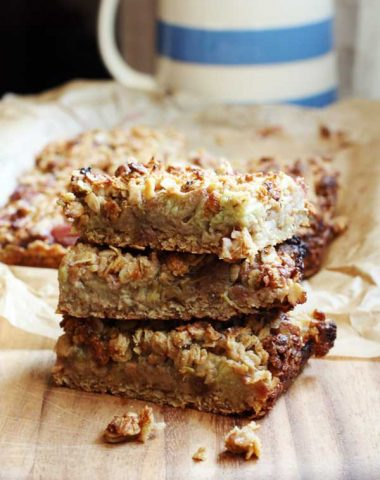 Rhubarb & ginger oaty slices (gluten-free)