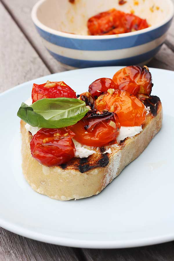 Slow-roasted tomato & ricotta bruschetta by Scrummy Lane