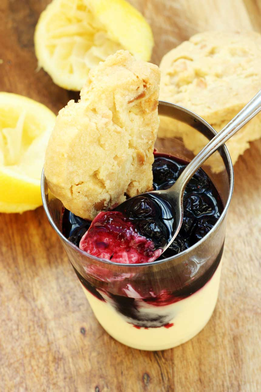 LEMON POSSET WITH BLUEBERRIES AND MACADAMIA SHORTBREAD BY SCRUMMY LANE - a perfect quick and easy dessert for entertaining!