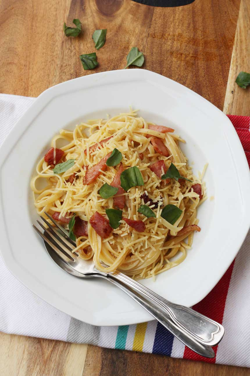A really good classic pasta carbonara - Scrummy Lane