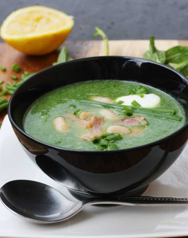spinach, cannellini bean and bacon soup by Scrummy Lane