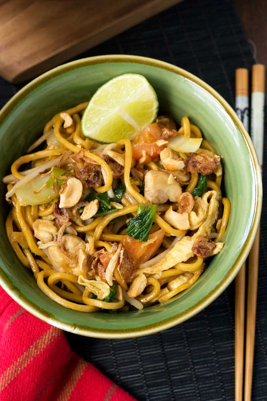 Mee goreng (spicy Indonesian noodles) - Scrummy Lane