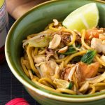 spicy Indonesian noodles (mee goreng)