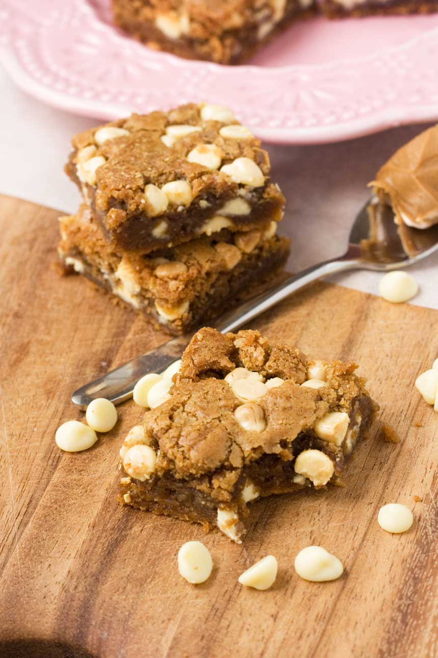 Biscoff & white chocolate blondies