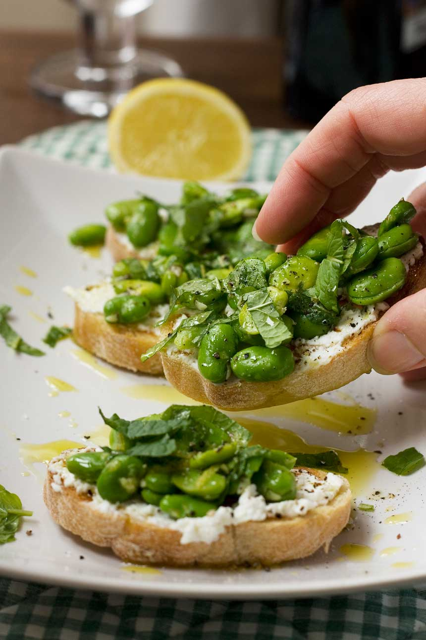 Fava bean, mint & ricotta crostini - Scrummy Lane