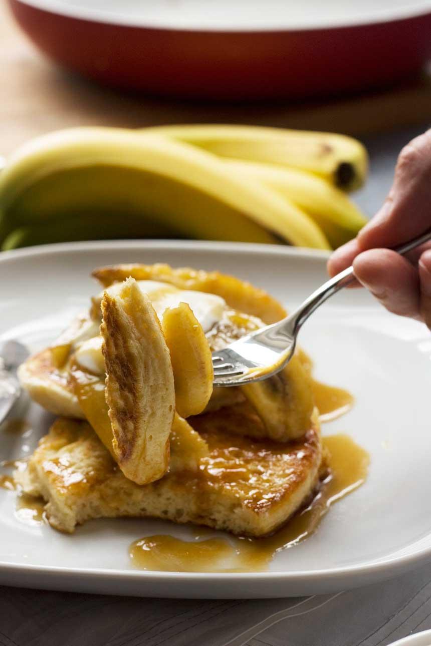 Banana & caramel pancakes for two
