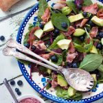 Bluberry, bacon & avocado salad with a delicious blueberry dressing