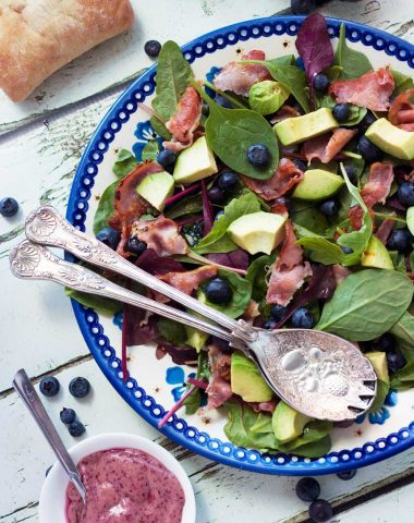 Blueberry, bacon & avocado salad (with a blueberry dressing)