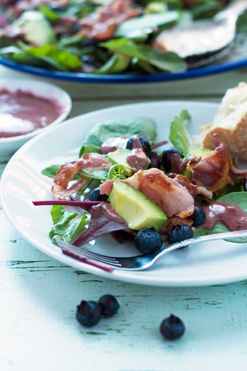 Blueberry, bacon & avocado salad - with a delicious blueberry dressing!