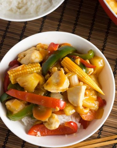 Sweet and sour chicken (takeaway style!)
