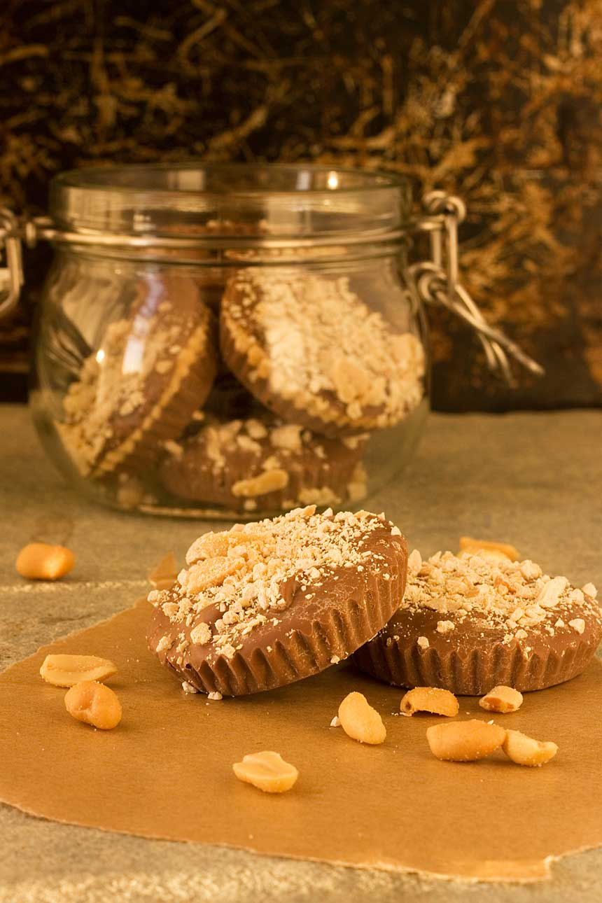 The easiest way to make peanut butter cups ... with only 3 ingredients. Pile them into a glass jar, and they make the perfect last-minute Christmas gift!