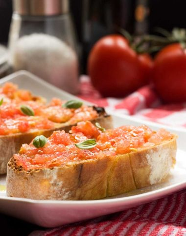 Pan con tomate (Spanish bruschetta)