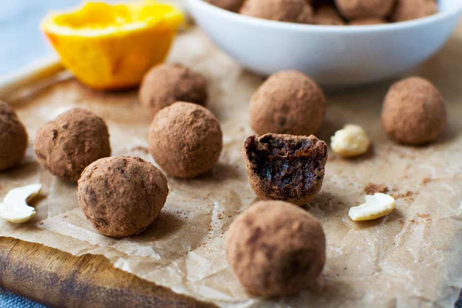 5-ingredient raw chocolate orange truffles (with video ...