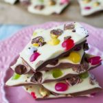 Easter chocolate bark (with a video)