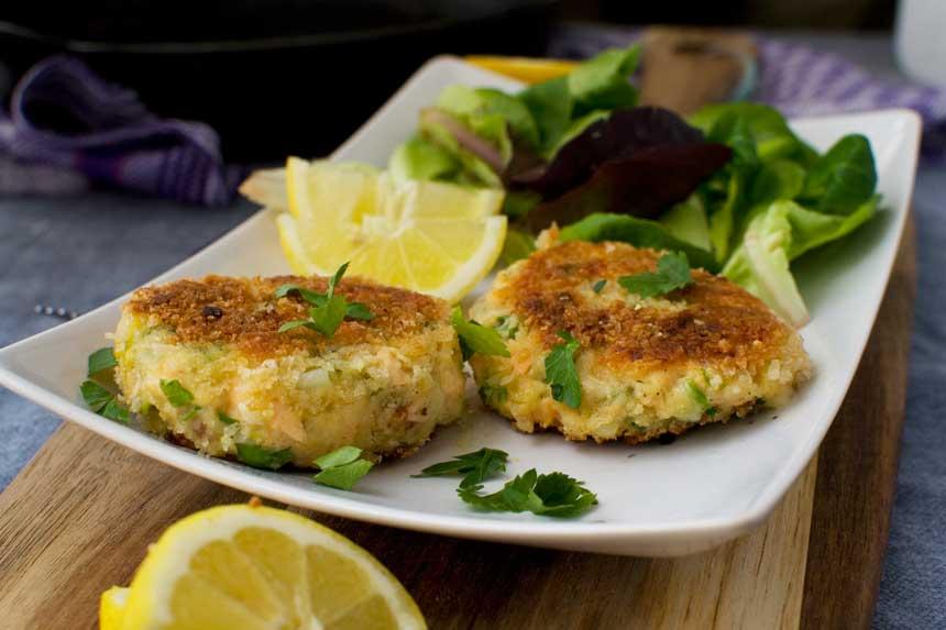 Thai salmon fish cakes nigella for Salmon fish cakes