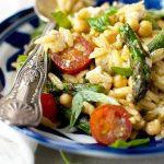Orzo salad with feta, asparagus and chickpeas