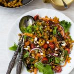 Quinoa salad with crispy chickpeas - so simple, but so addictive!