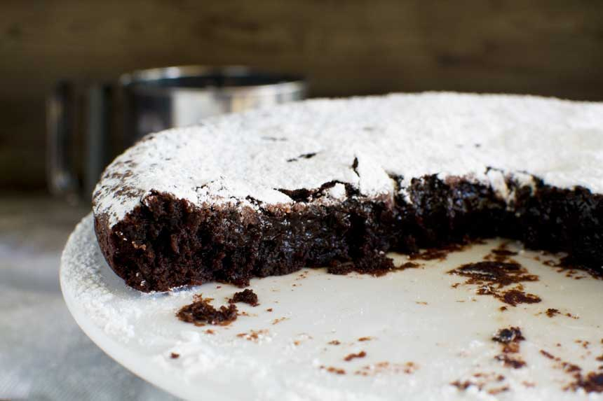 6-ingredient gooey Swedish chocolate cake (kladdkaka)