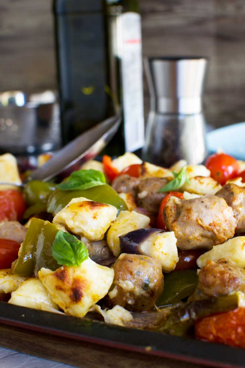 Easy baked gnocchi with sausage, peppers and tomatoes (30 minute recipe)