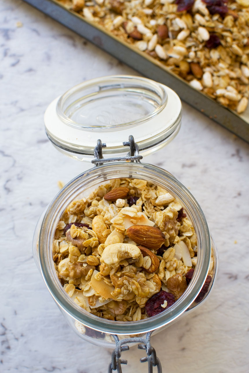 Basic homemade granola