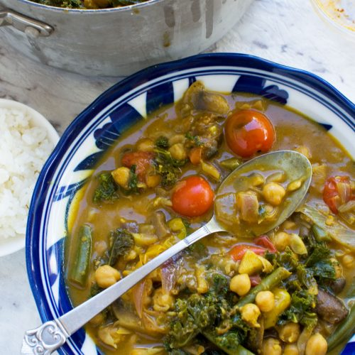 20-minute coconut chickpea curry (vegan)
