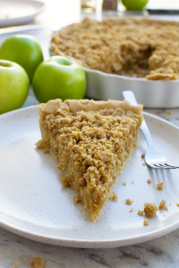 Easy apple crumble pie (Dutch apple pie)