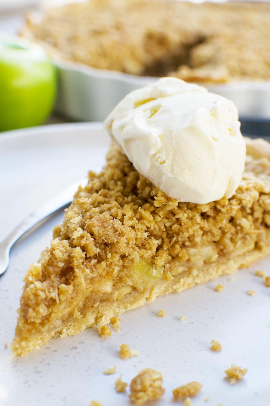 Easy apple crumble pie Dutch apple pie   Scrummy Lane