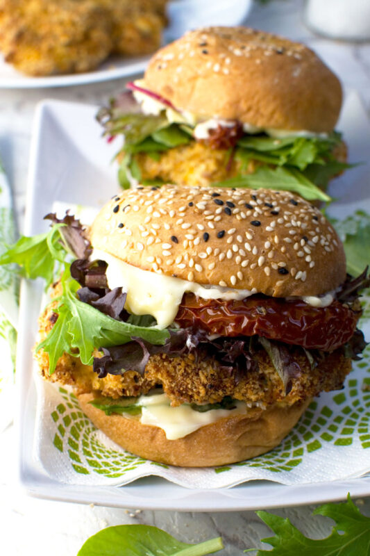 Crispy chicken burgers (air fryer or pan-fried)
